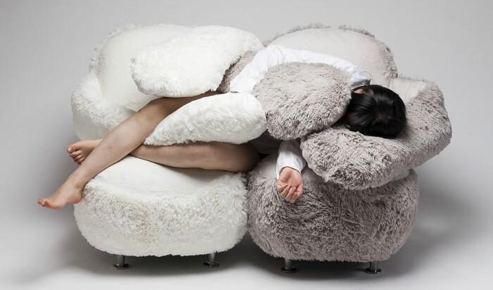Кресло для объятий: южнокорейский дизайнер против одиночества