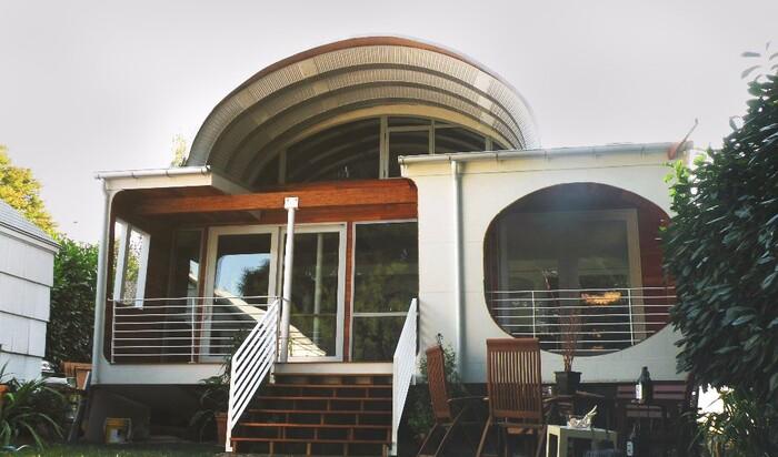 Современный футуристический дизайн интерьера  и лучшее архитекторское решение для вашего дома