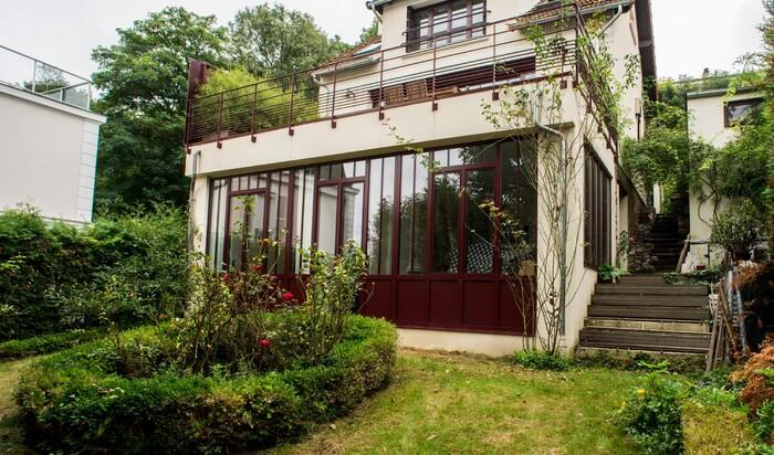 Во что можно превратить старый дом в пригороде Парижа