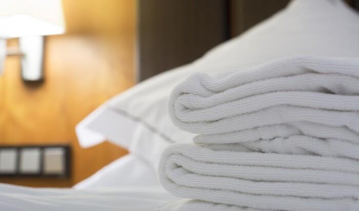 Шок: в некоторых отелях не меняют постельное бельё после гостей