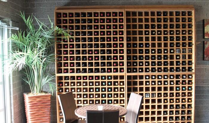 Советы для тех, кто не знает, где и как хранить вино в доме