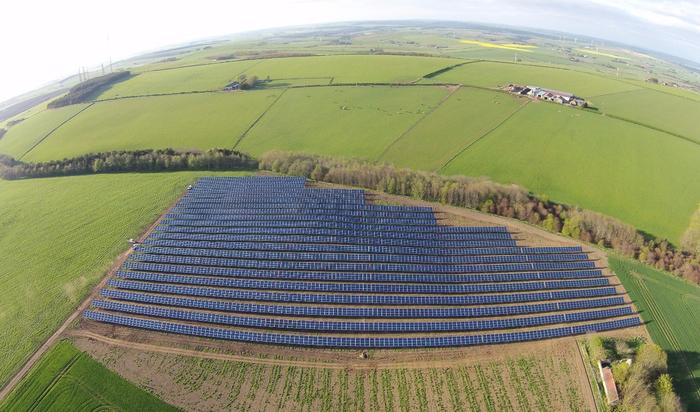 В Шотландии началось строительство самой крупной солнечной фермы