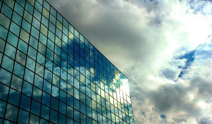 Небоскребы со стеклянными стенами красивы, но практичны ли?