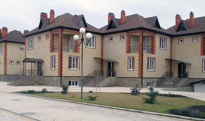 Малоквартирные многосемейные дома в России и за рубежом