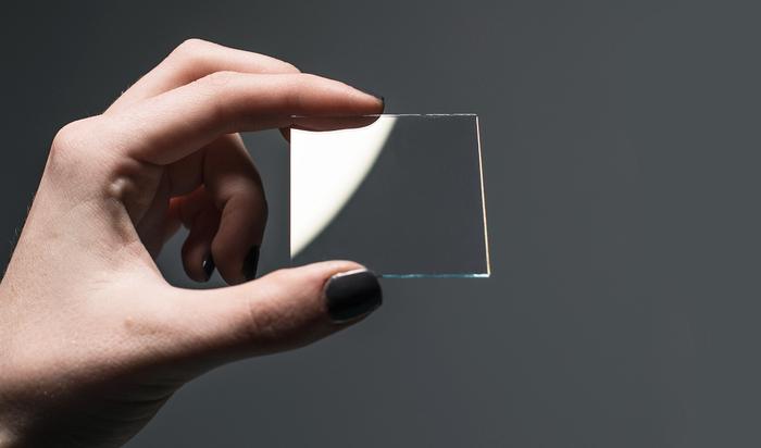 Оксид индия-олова: прозрачный металл, который изменит будущее