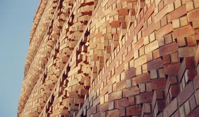 Кирпичные здания как произведения искусства. Красота и изящество в простоте