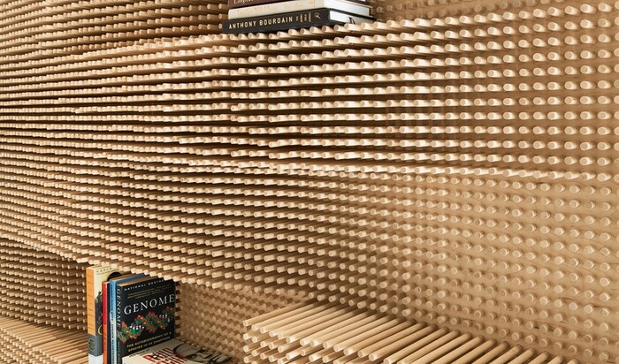 Шкаф из 40 тысяч деревянных гвоздей и другие идеи от фирмы Merge Architects