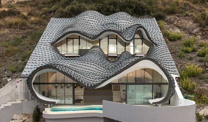 Новая эпоха строительства в Испании: современная пещера House on the Cliff