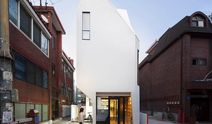 Архитектура по-корейски: можно ли угодить издателю, построив офис его мечты