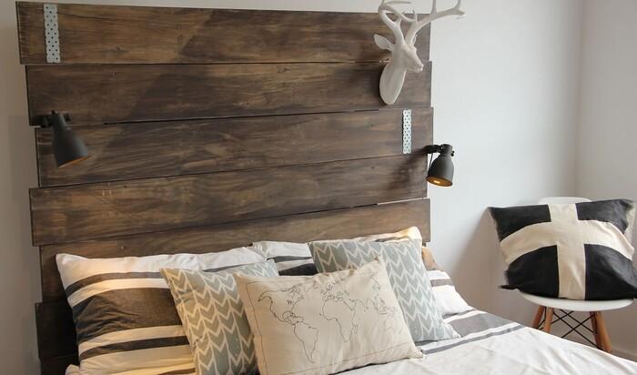 Стиль в спальне: три бюджетных способа украсить изголовье кровати
