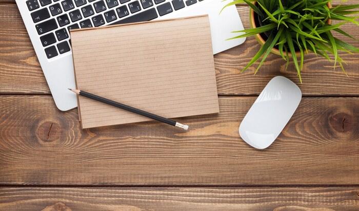 Как правильно выбрать письменный стол для школьника и взрослого