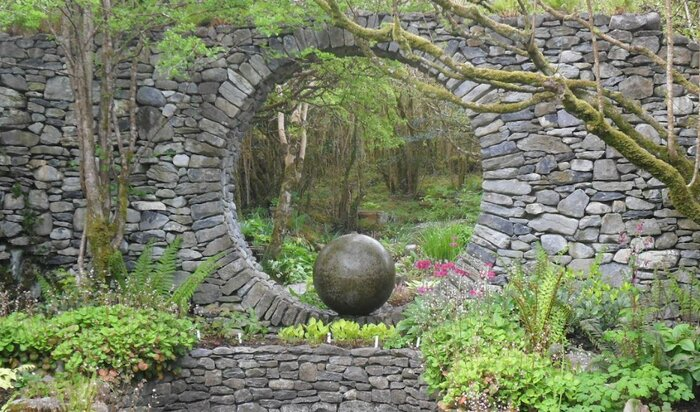 Лунные врата в саду: редкий и чрезвычайно красивый элемент ландшафтного дизайна