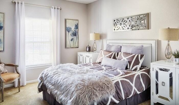 Почему вы должны заправлять кровать каждый день?