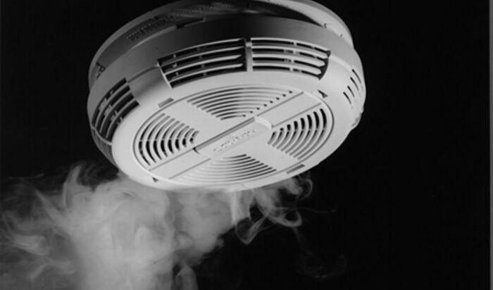 Детекторы дыма и огня: как и где установить