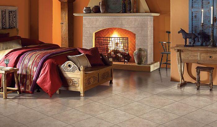 Керамическая плитка в качестве напольного покрытия в спальне