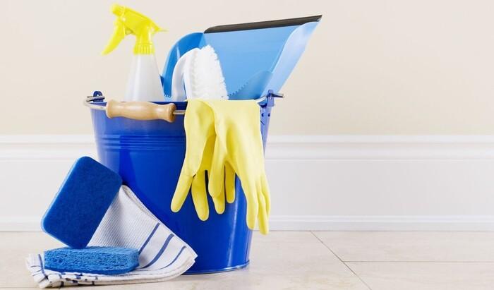 «Фейковая» приборка в доме: что делать, когда гости на пороге, а у вас бардак