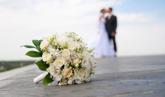 Украшения для свадьбы, которые можно сделать за пару минут
