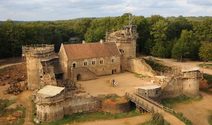 Новый замок по старым канонам: французский Геделон