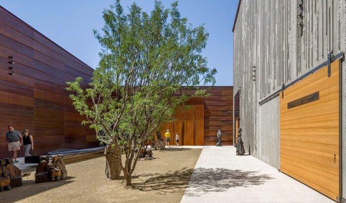 Фактурный бетон, в который нарядили музей?!
