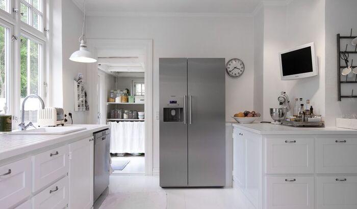 Холодильник подтекает на пол: что делать?