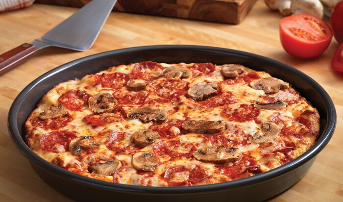 Разные виды сковородок для пиццы. Вы тоже не знали, что ее выпекают разными способами?!