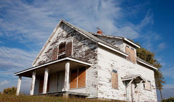 Отошла краска от стен: как восстановить покрытие фасада дома
