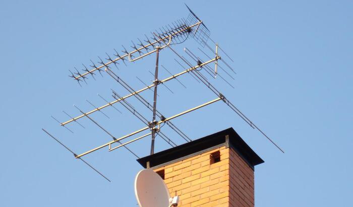 Ненужные коммунальные услуги: как отказаться от платы за коллективную телевизионную антенну?