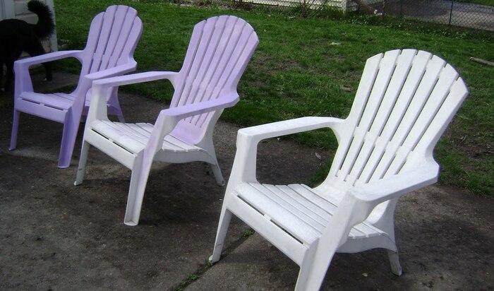 Как покрасить пластик, чтобы краска не слезла! Красим садовую мебель и проверяем результат через год