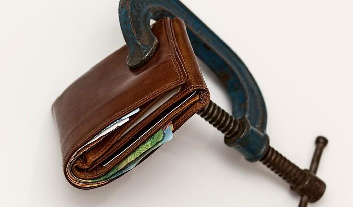 Как начисляются пени за долги по ЖКХ — расскажем понятным языком