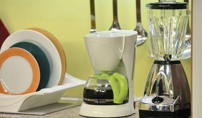 Как почистить мелкие кухонные приборы?