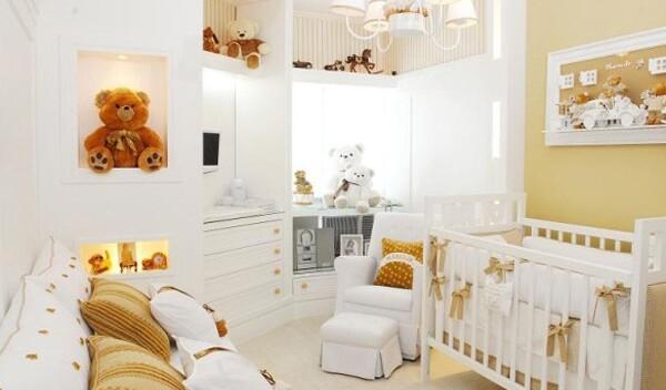 Как безопасно украсить комнату для новорожденных?