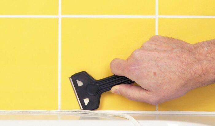 Как заделать ванну герметиком: выбор и нанесение