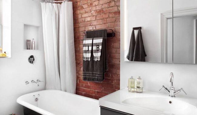 Угловой карниз для ванной комнаты