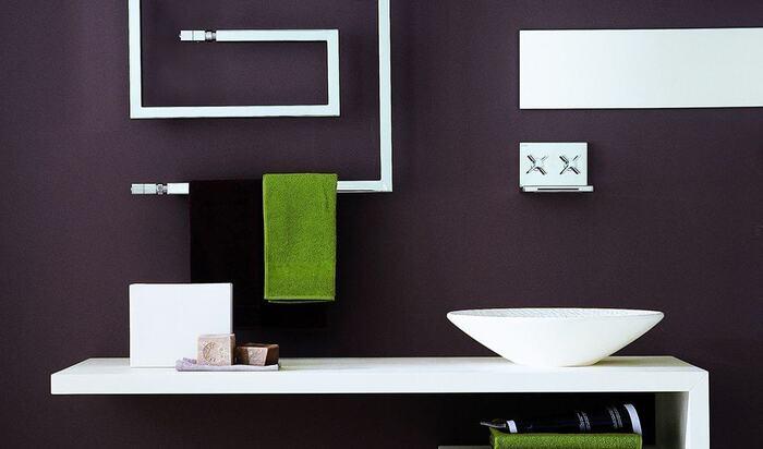 Полотенцесушитель в интерьере ванной комнаты: практичный, функциональный и красивый элемент для вашего дома