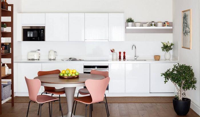 Как выбрать стол и стулья для маленькой кухни?