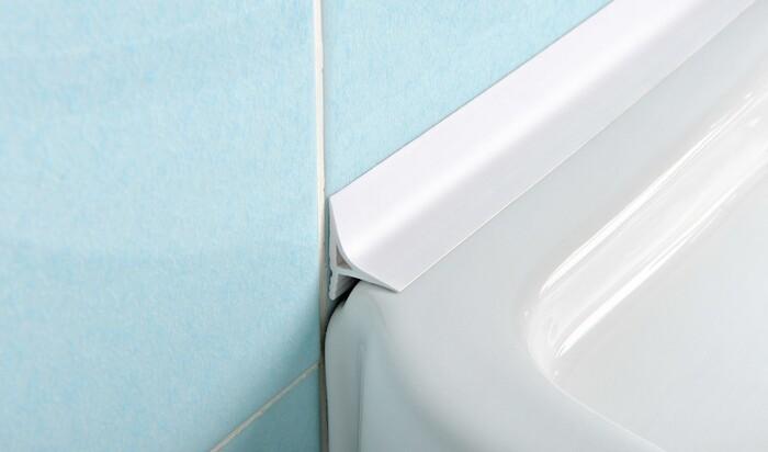 Плинтус-бордюр для ванны: какие материалы подойдут лучше всего?