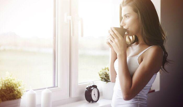 Как научиться рано вставать по утрам и высыпаться
