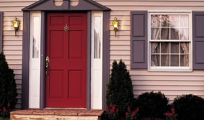 Теплые входные двери в частный дом: как выбрать?