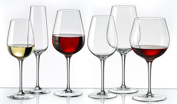 Как правильно выбрать бокалы для вина?