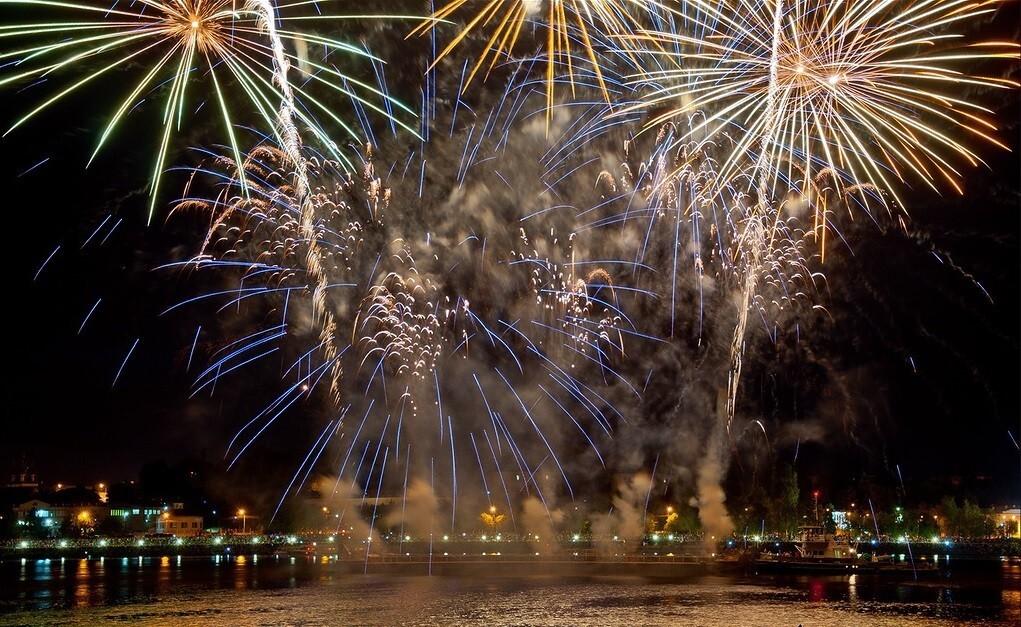В Костроме определено 9 площадок для запуска новогодних фейерверков