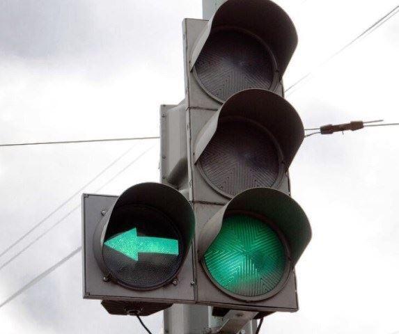 Светофор на пересечении улиц Калиновской и Галичской оборудуют дополнительной секцией для поворота налево