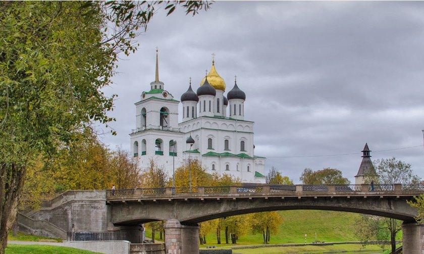 О временном прекращении движения автотранспорта на Советском (Троицком) мосту