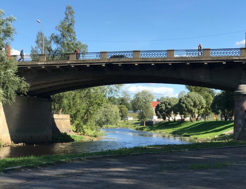 О временном перекрытии движения автотранспорта по Советскому (Троицкому) мосту и участку улицы Л.Поземского