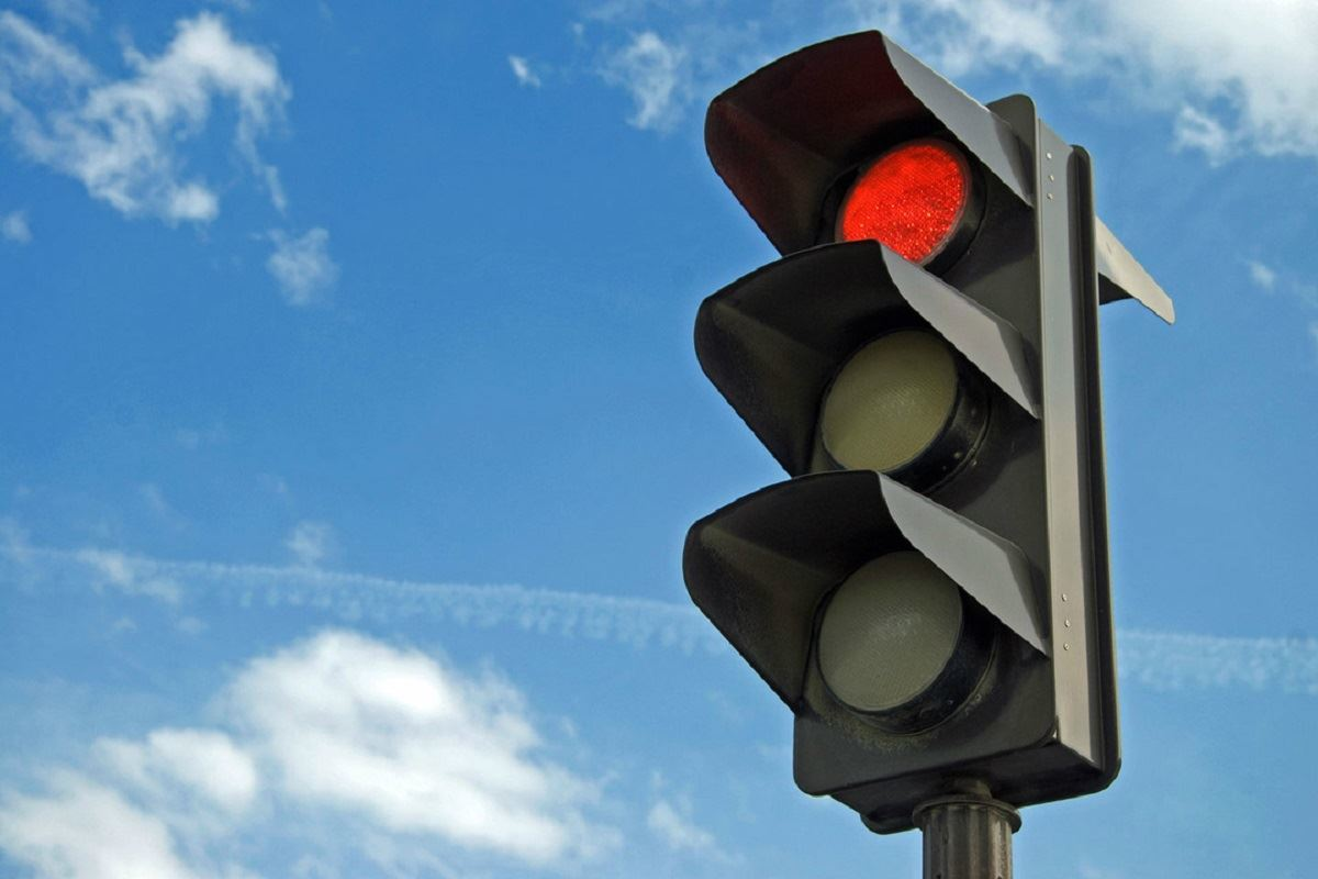Для повышения безопасности в Костроме установят новые светофоры и дорожные знаки