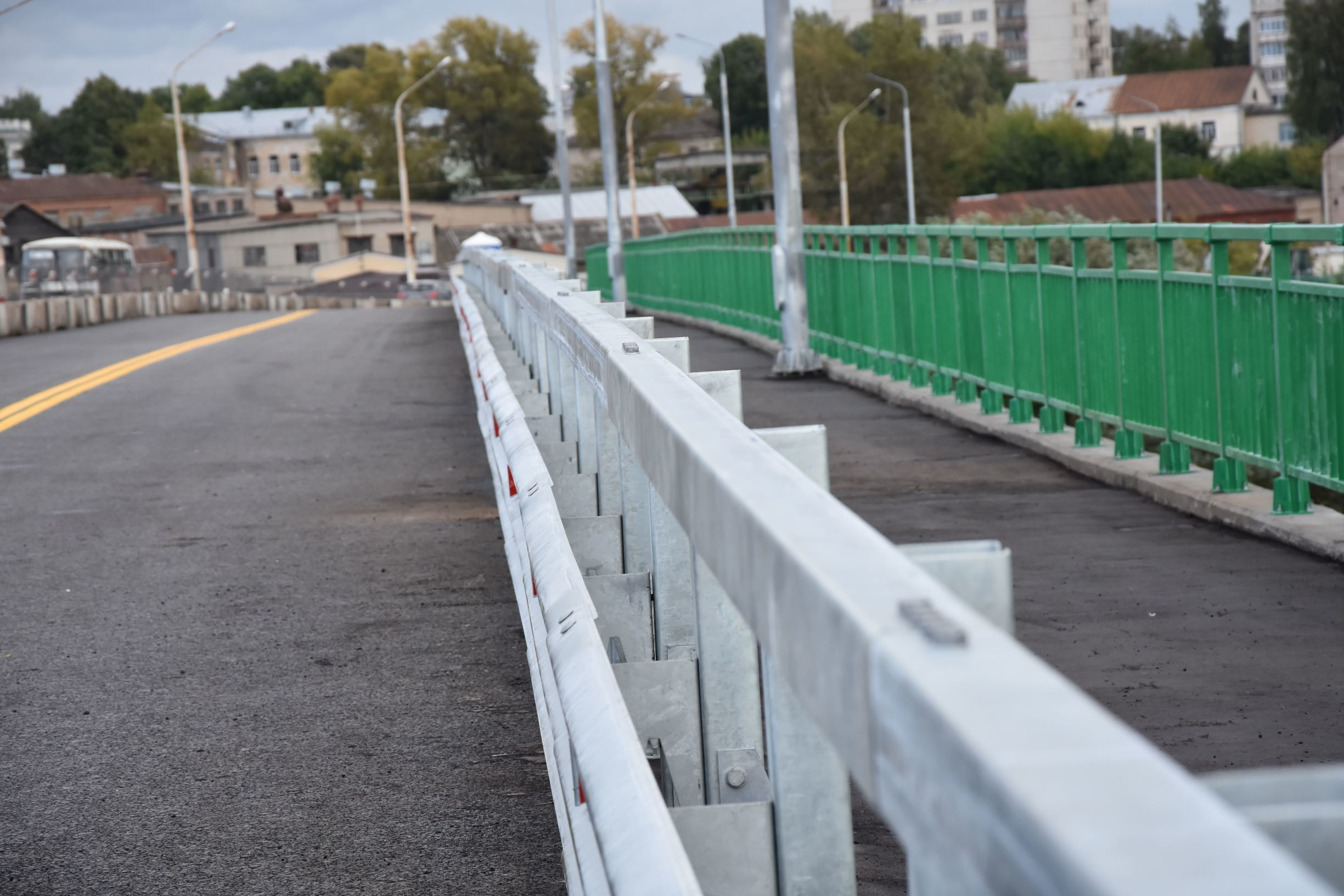 В связи с прокладкой сетей на мосту через реку Кострому будет закрыто движение транспорта