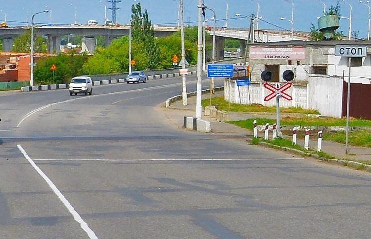 В Костроме на время ремонта будет закрыто движение через железнодорожный переезд по улице Островского